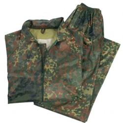 Pantalón y sudadera impermeable camufaje
