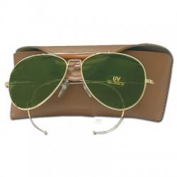 Gafas de sol con vidrios verdes
