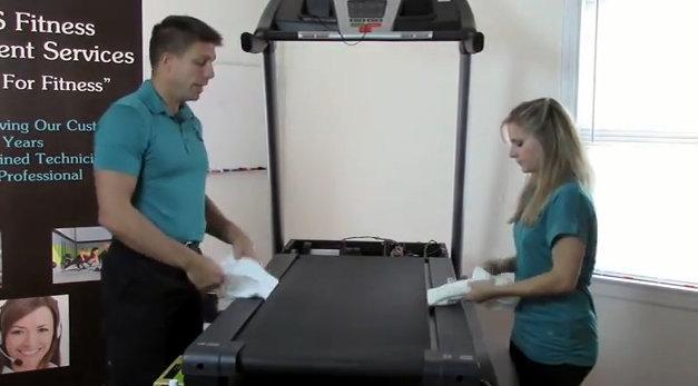 como limpiar la correa de una cinta de correr