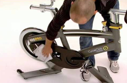 mantenimiento y limpieza de bicicleta de spinning / indoor